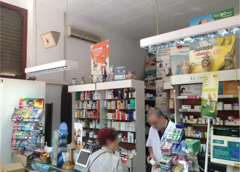 reforma de una farmacia antes interior 2