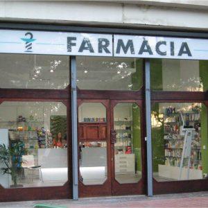 reforma de una farmacia en barcelona